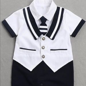 Boy's shirt sleeve Navy romper